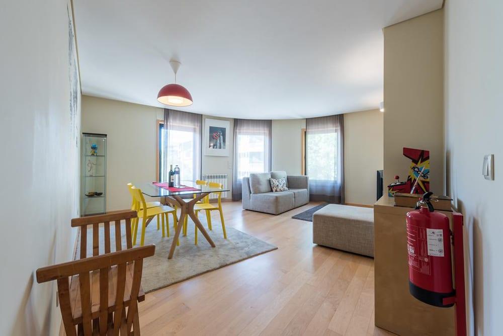 Apartamentos para alugar no Porto - Rua Duque de Palmela | Plano Inclinado